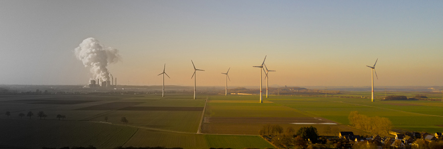 how fast is renewable energy growing?